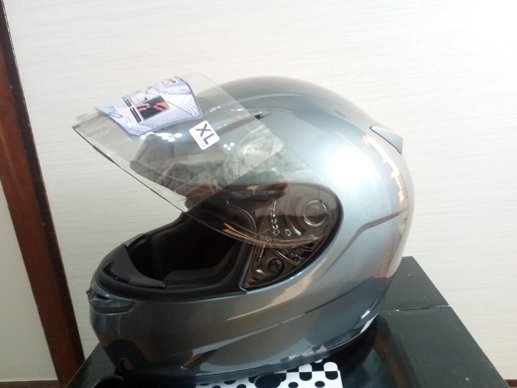 OGK Kabuto FF-R3 ヘルメット 横から